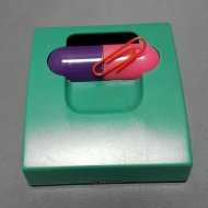 Capsule Clip Dispenser